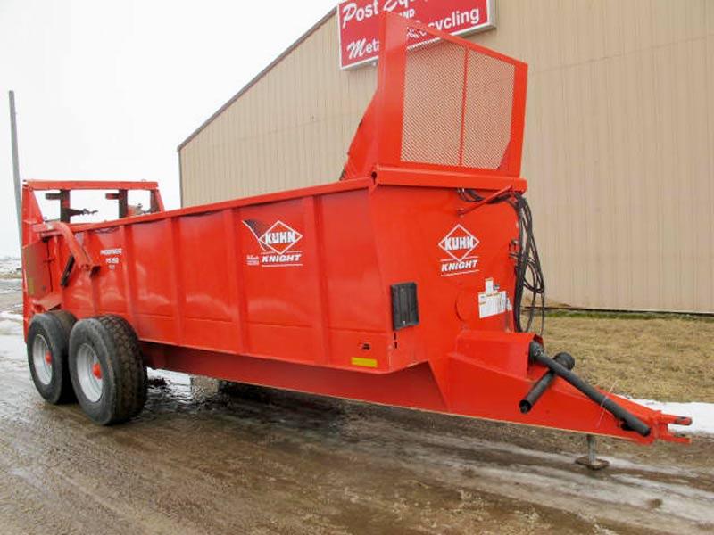 Knight PS160 vertical beater manure spreader | Farm Equipment>Manure Spreaders - 1