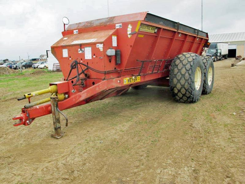 Meyer 8500 Vertical Beater Manure Spreader | Farm Equipment>Manure Spreaders - 1