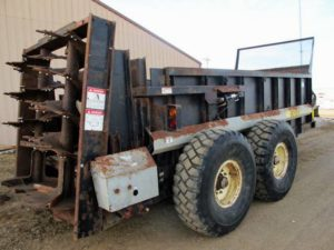 Meyers VB750 vertical beater manure spreader | Farm Equipment>Manure Spreaders - 1