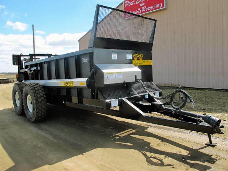 Meyers VB 750 vertical beater manure spreader | Farm Equipment>Manure Spreaders - 1