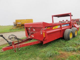 New Holland 195 Horizontal Beater Manure Spreader | Farm Equipment>Manure Spreaders - 1