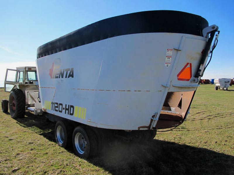 Penta 1120 HD vertical mixer wagon