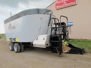 Penta 1120 HD vertical mixxer wagon | Farm Equipment>Mixers>Vertical Feed Mixers - 1