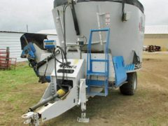Penta 5020SD Vertical Mixer Wagon   Farm Equipment>Mixers>Vertical Feed Mixers - 1