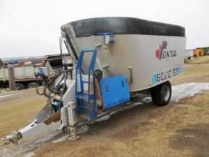Penta 6020 vertical mixer wagon | Farm Equipment>Mixers>Vertical Feed Mixers - 1
