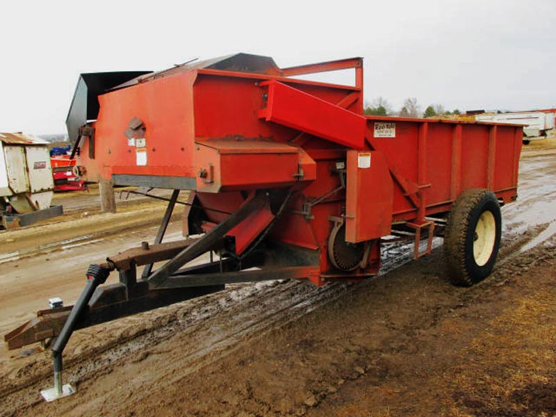 Roorda 4x12 bunk feed wagon