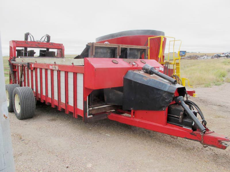 Lift Gate Repair >> S and R MFG STJ700 vertical beater manure spreader for ...