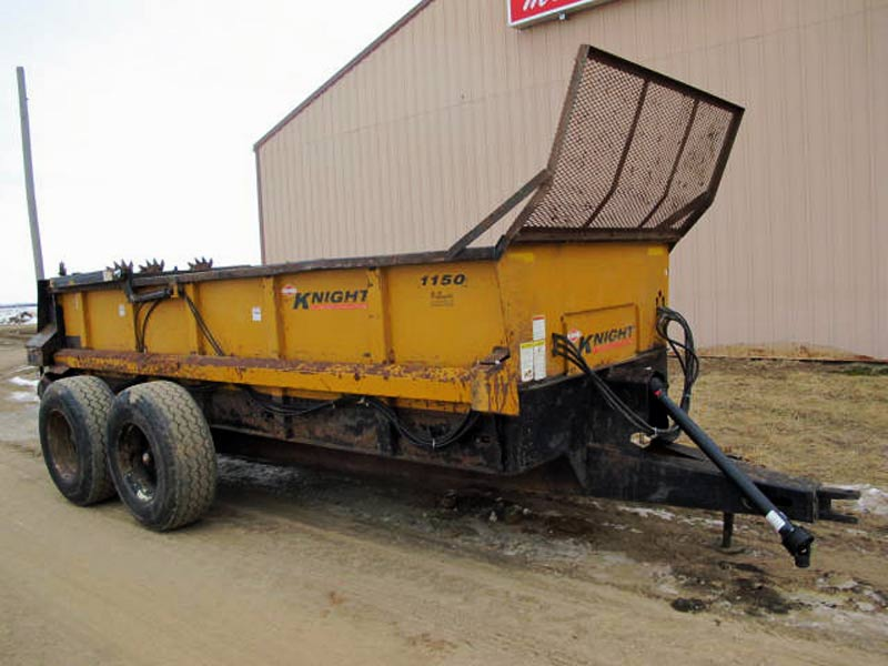 Knight 1150 horizontal beater manure spreader | Farm Equipment>Manure Spreaders - 1