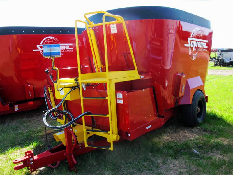 Supreme 500 T vertical mixer wagon