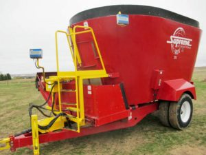 Supreme 900T vertical mixer wagon | Farm Equipment>Mixers>Vertical Feed Mixers - 1