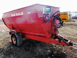 Van Dale 4 auger mixer wagon | Farm Equipment>Mixers>Misc. Feed Mixers - 1
