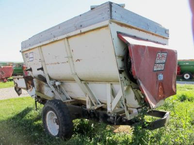 BJM 3 auger mixer | Farm Equipment>Mixers>Misc. Feed Mixers - 1