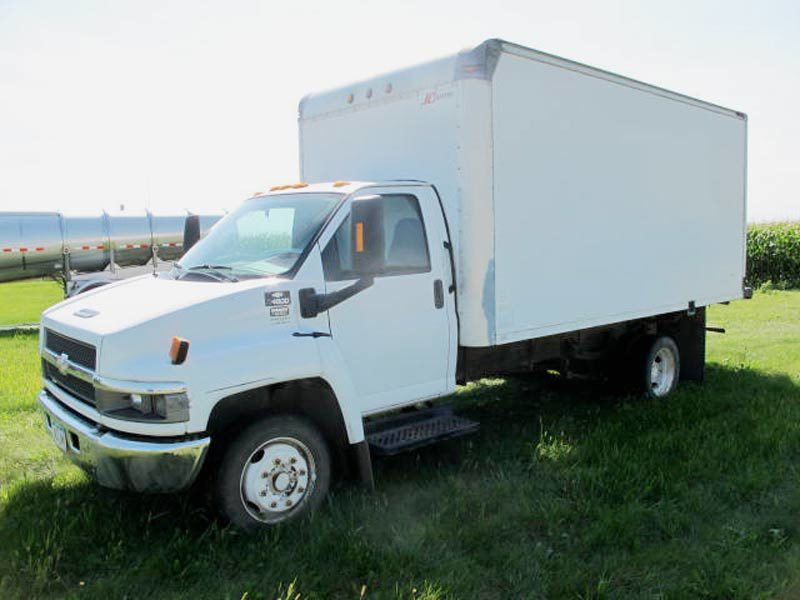 2005 Chevy Box Truck Farm Equipment Miscellaneous 1