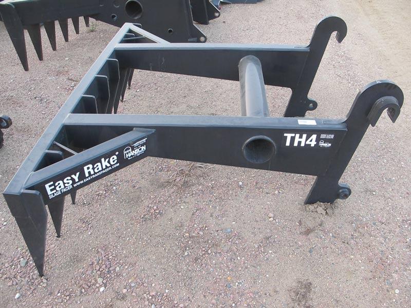 Easy Rake TH4 Silage Defacer