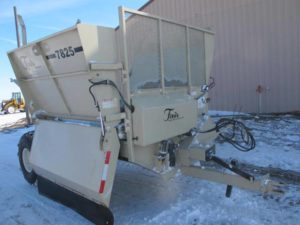 Fair 7825 bale shredder | Farm Equipment>Bale Processors - 1