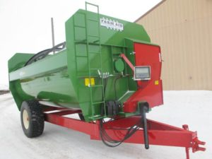 Farm Aid 560 reel mixer wagon | Farm Equipment>Mixers>Reel Feed Mixers - 1