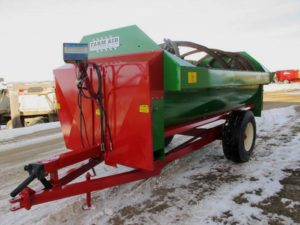 Farm Aid 430 reel mixer wagon | Farm Equipment>Mixers>Reel Feed Mixers - 1