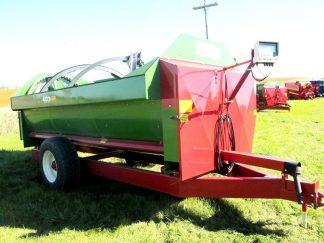 Farm Aid 430 reel mixer wagon   Farm Equipment>Mixers>Reel Feed Mixers - 1