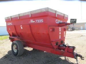 Gehl 7335 auger wagon | Farm Equipment>Mixers>Misc. Feed Mixers - 1