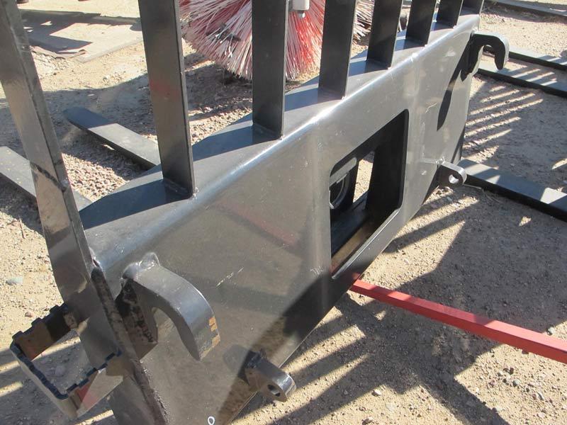 I-53 Pallet Forks | Farm Equipment>Attachments - 3