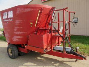 Jaylor 1500 vertical mixer wagon