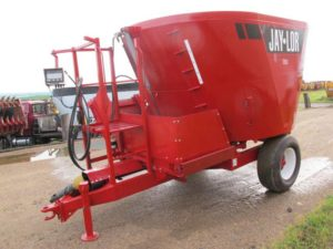 Jaylor 2425 vertical mixer wagon | Farm Equipment>Mixers>Vertical Feed Mixers - 1