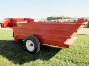 Kelly Ryan 5x12 bunk feeder wagon