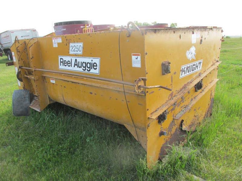 Knight 2250 Stationary Mixer | Farm Equipment>Mixers>Reel Feed Mixers - 7
