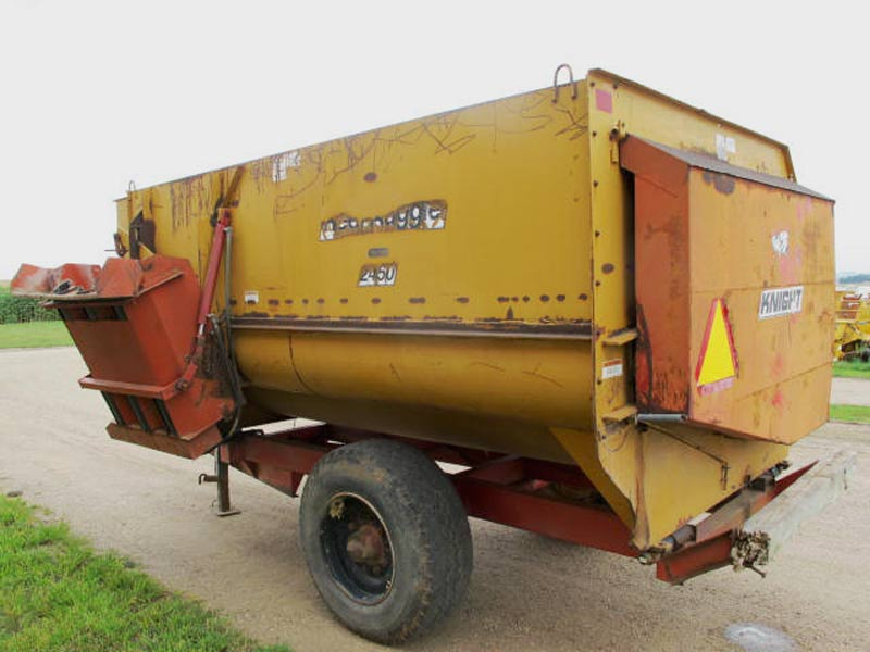 Knight 2450 Reel Mixer Wagon | Farm Equipment>Mixers>Reel Feed Mixers - 6