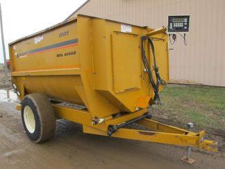 Knight 3025 reel mixer feeder wagon   Farm Equipment>Mixers>Reel Feed Mixers - 1