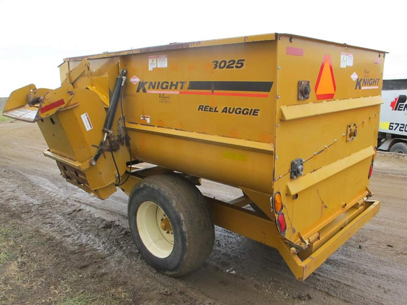 Knight 3025 reel mixer feeder wagon   Farm Equipment>Mixers>Reel Feed Mixers - 6
