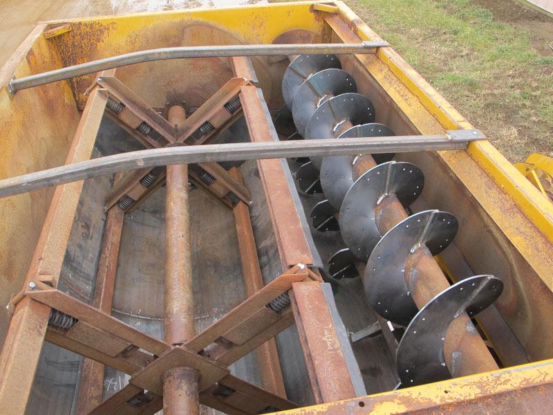 Knight 3025 reel mixer feeder wagon   Farm Equipment>Mixers>Reel Feed Mixers - 3