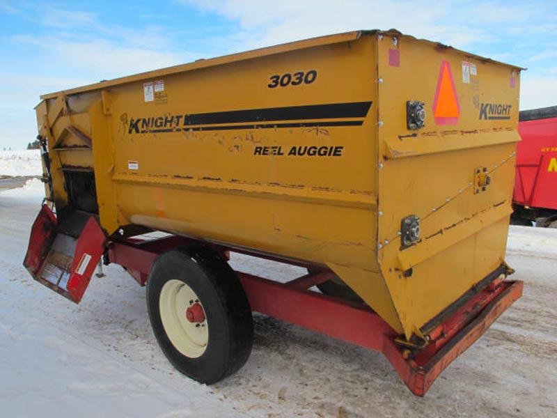 Knight 3030 reel mixer feeder wagon   Farm Equipment>Mixers>Reel Feed Mixers - 6