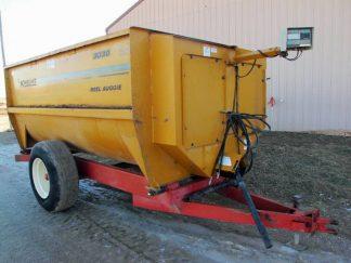 Knight 3030 reel mixer wagon | Farm Equipment>Mixers>Reel Feed Mixers - 1