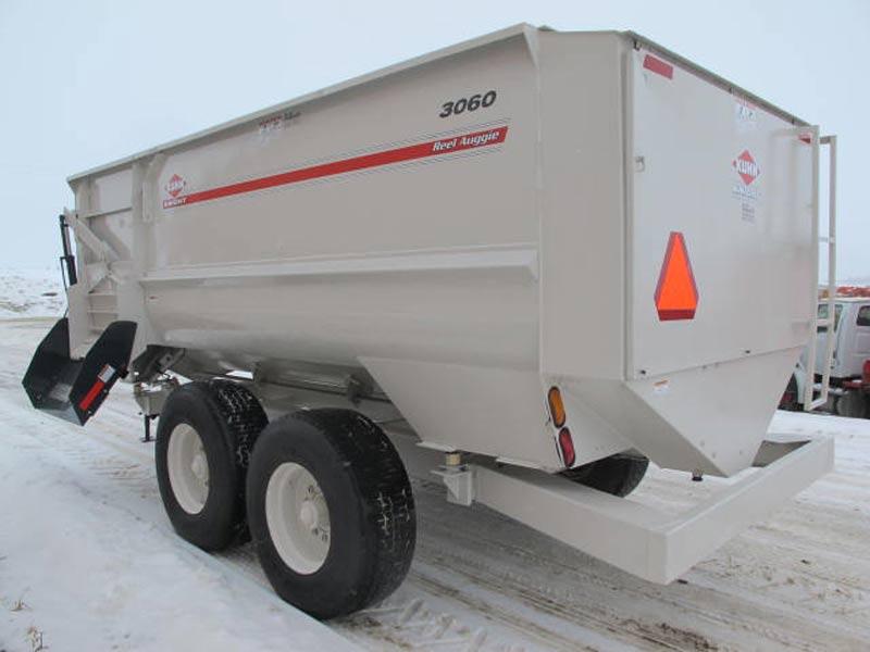 Knight 3060 reel mixer wagon | Farm Equipment>Mixers>Reel Feed Mixers - 6