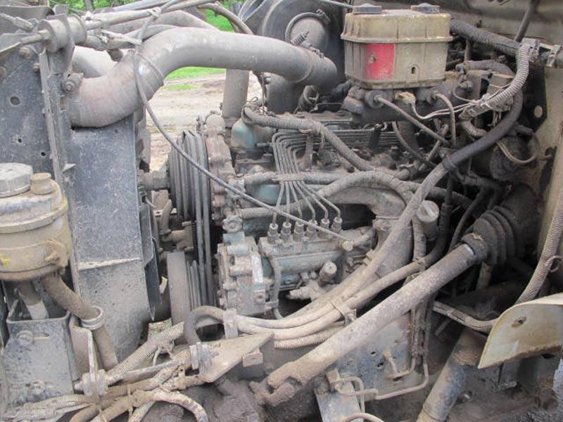 Knight 3120 Reel Mixer Wagon | Farm Equipment>Mixers>Reel Feed Mixers - 6