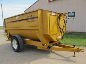 Knight 3130 reel mixer wagon