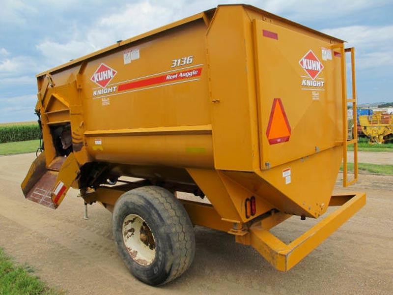 Knight 3136 reel mixer wagon   Farm Equipment>Mixers>Reel Feed Mixers - 6