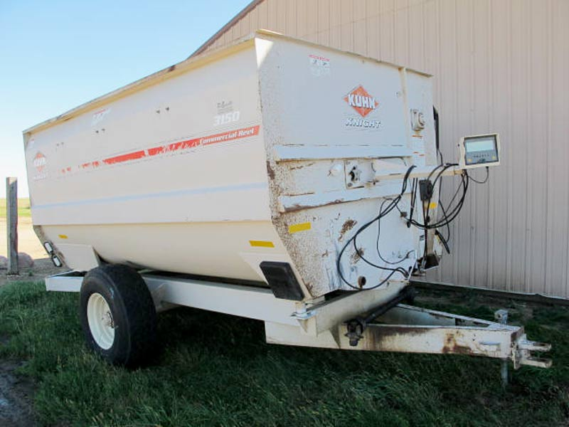 Knight 3150 Reel Mixer Wagon | Farm Equipment>Mixers>Reel Feed Mixers - 1
