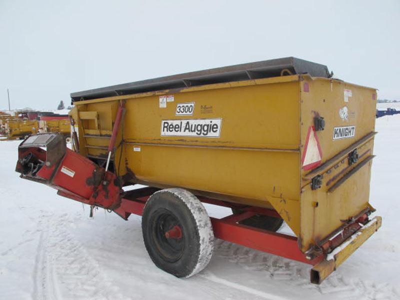 Knight 3300 reel mixer wagon | Farm Equipment>Mixers>Reel Feed Mixers - 5