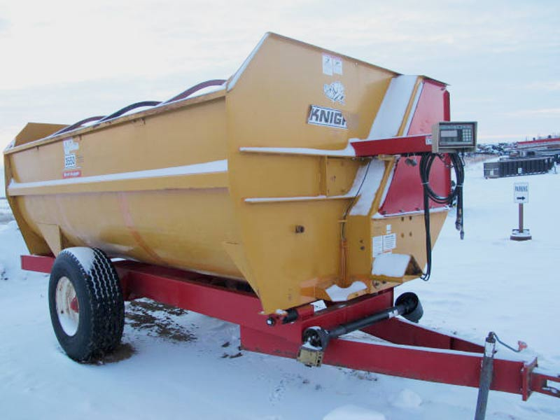Knight 3550 reel mixer wagon   Farm Equipment>Mixers>Reel Feed Mixers - 1