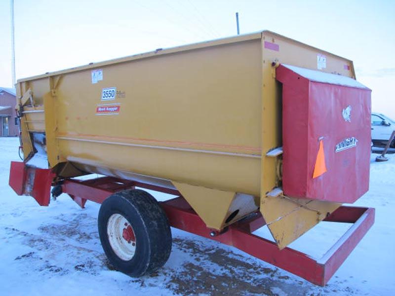 Knight 3550 reel mixer wagon   Farm Equipment>Mixers>Reel Feed Mixers - 5