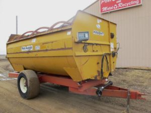 Knight 3575 reel mixer  wagon