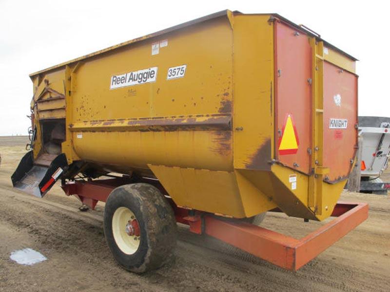Knight 3575 reel mixer  wagon   Farm Equipment>Mixers>Reel Feed Mixers - 6