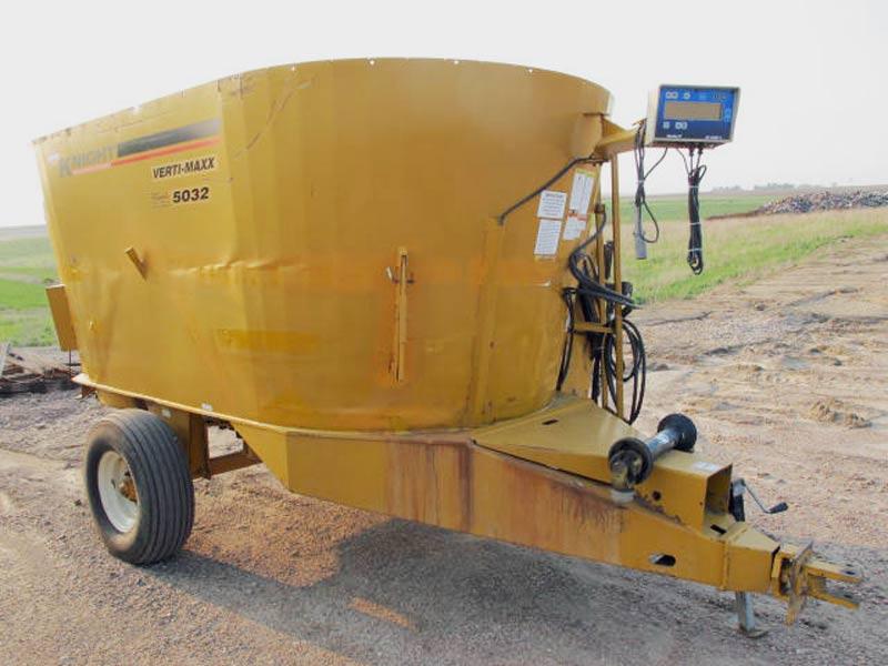 Knight Kuhn 5032 vertical mixer wagon   Farm Equipment>Mixers>Vertical Feed Mixers - 6