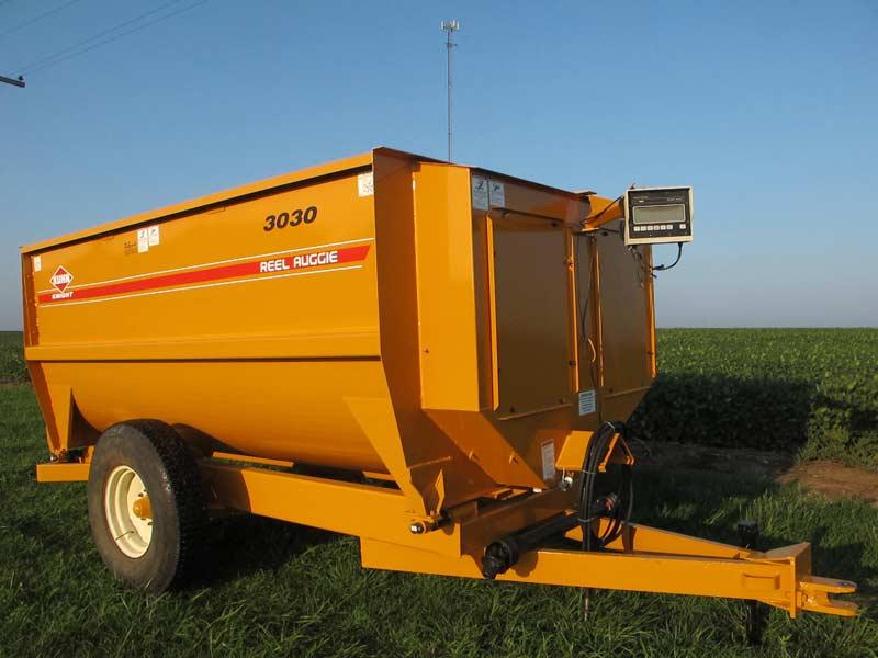 3030 Knight reel mixer wagon | Farm Equipment>Mixers>Reel Feed Mixers - 1