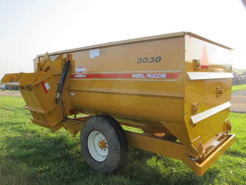 3030 Knight reel mixer wagon | Farm Equipment>Mixers>Reel Feed Mixers - 5