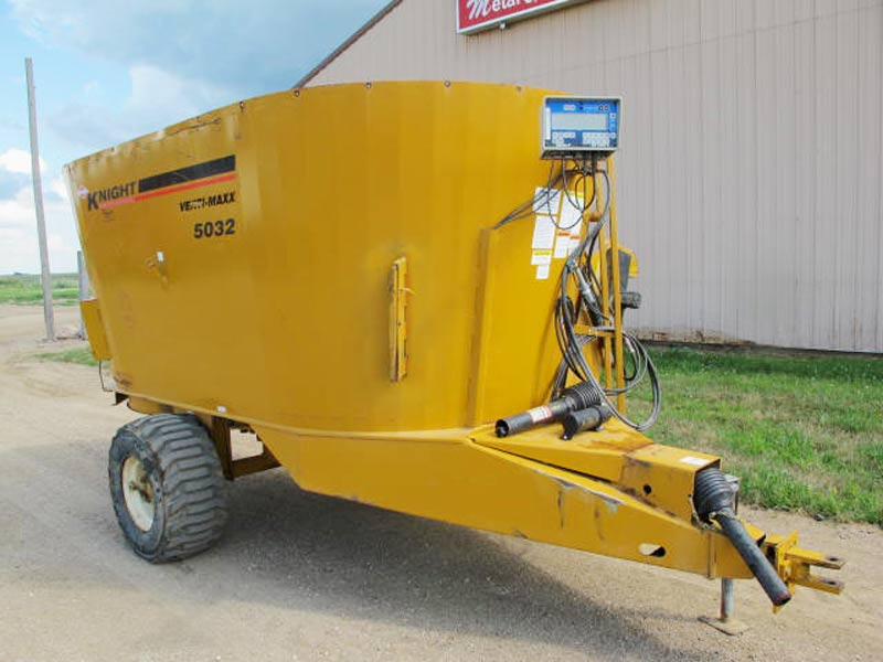 Knight Kuhn 5032 vertical mixer wagon | Farm Equipment>Mixers>Vertical Feed Mixers - 1