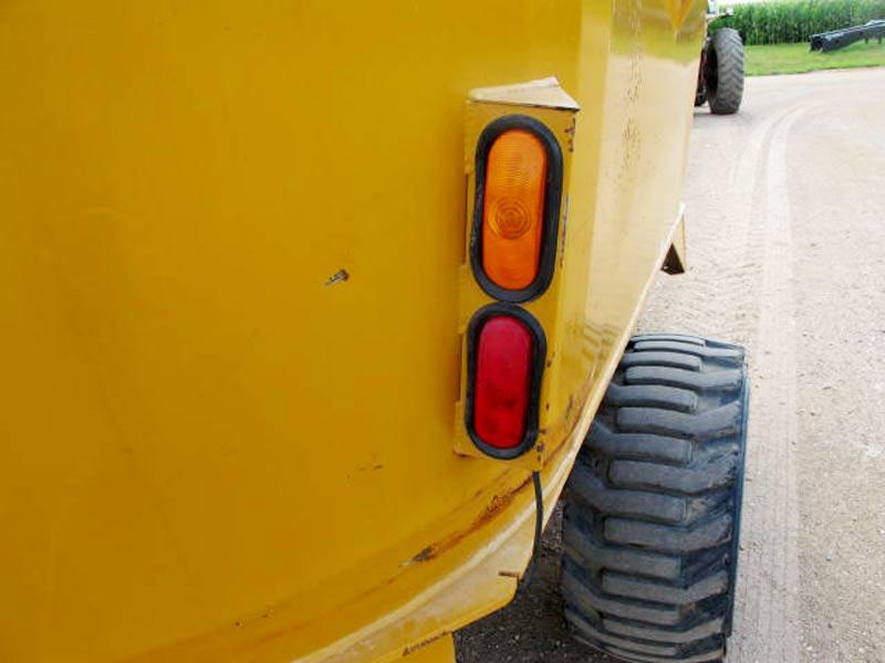 Knight Kuhn 5032 vertical mixer wagon | Farm Equipment>Mixers>Vertical Feed Mixers - 3
