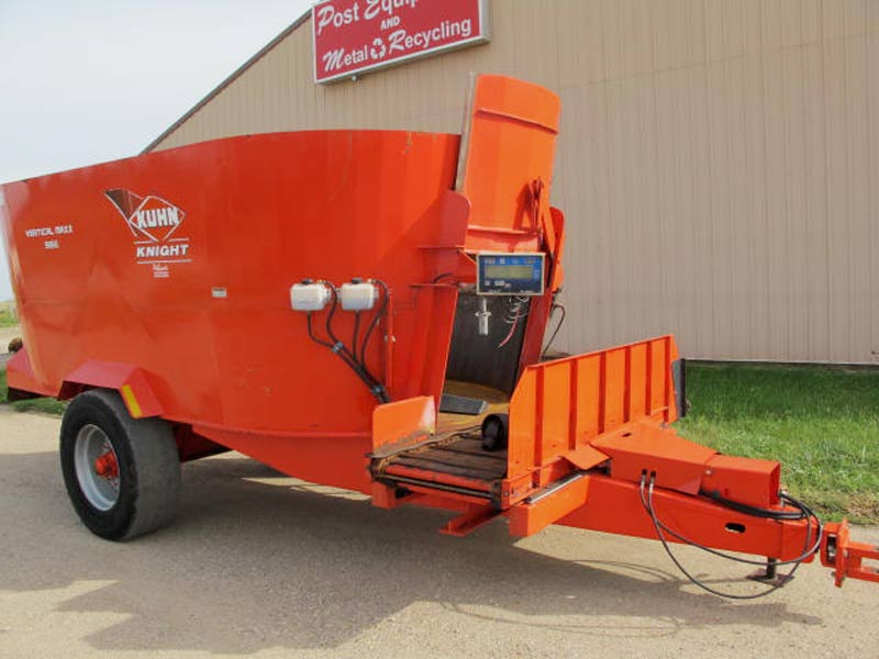 Knight 5156 vertical mixer wagon | Farm Equipment>Mixers>Vertical Feed Mixers - 1